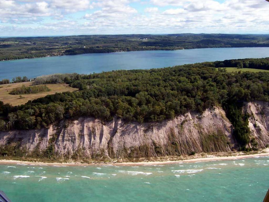 Parks recreation leland township for Lake leelanau fishing